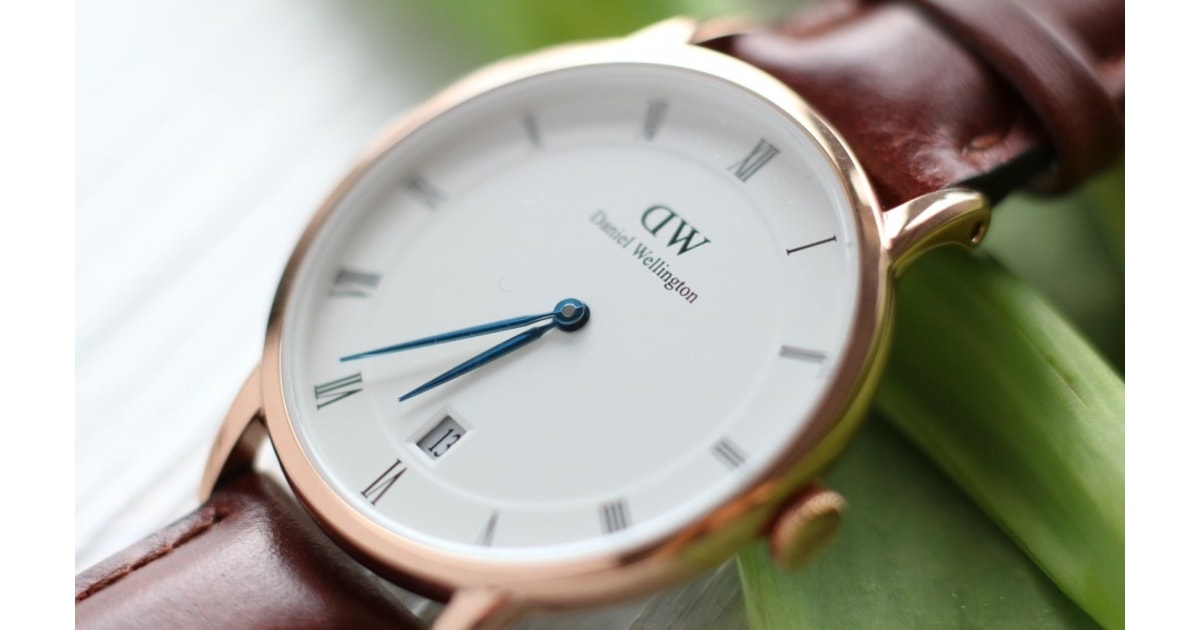 The people at daniel wellington reached out to me two weeks ago to review any watch i liked from their website livening-russia.ru i went straight to the mens section, i love big watches,big phones,big bags even my dream car is an escalade-just because its so big lol - female watches just look too girly for my liking.
